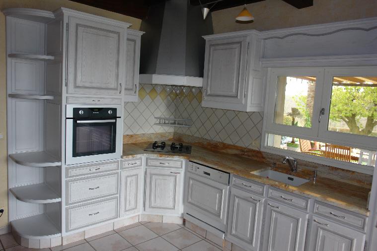 Renover une cuisine rustique en moderne repeindre des - Relooker une cuisine rustique en moderne ...